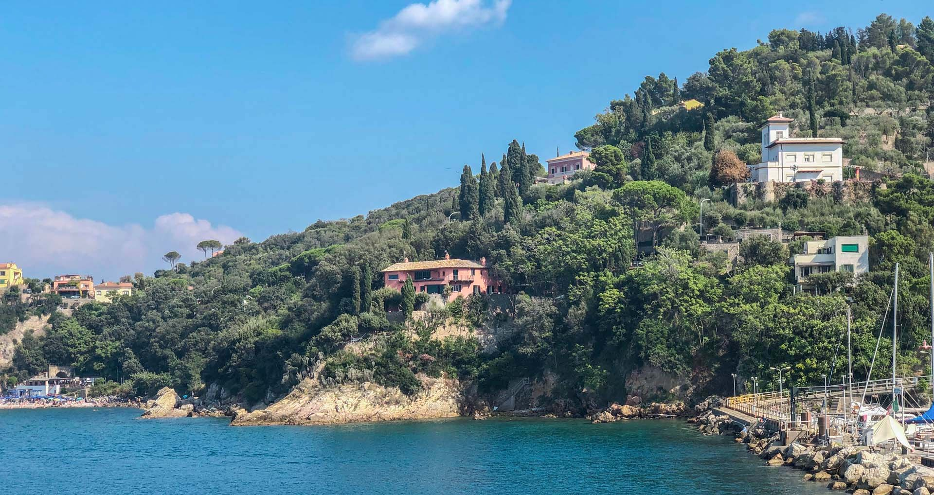 LUXURY VILLA ON THE SEASIDE FOR SALE, TUSCANY