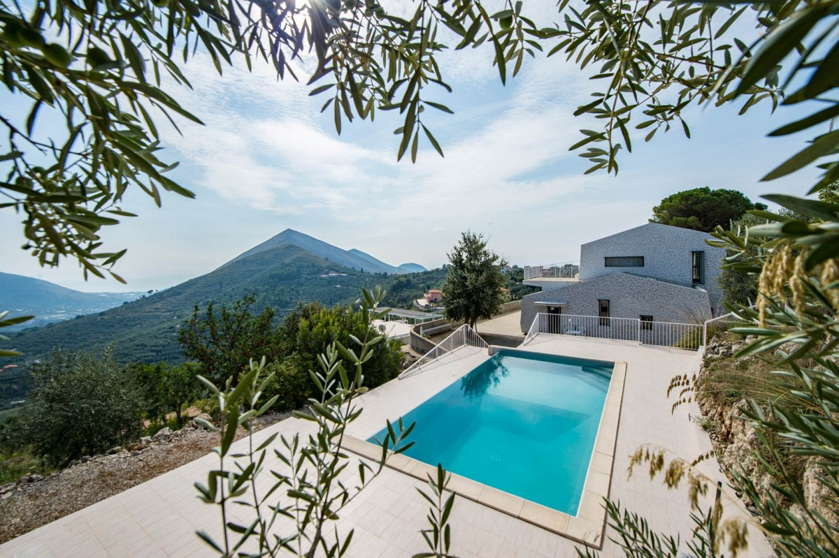 LUXURY VILLA FOR SALE SPERLONGA