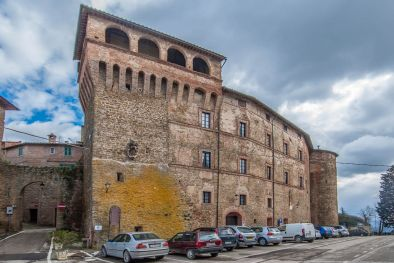 LUXURY FORTRESS FOR SALE, TRASIMENO LAKE