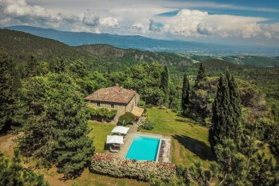 LUXURY VILLA WITH PANORAMIC VIEW AND POOL FOR SALE IN TUSCANY