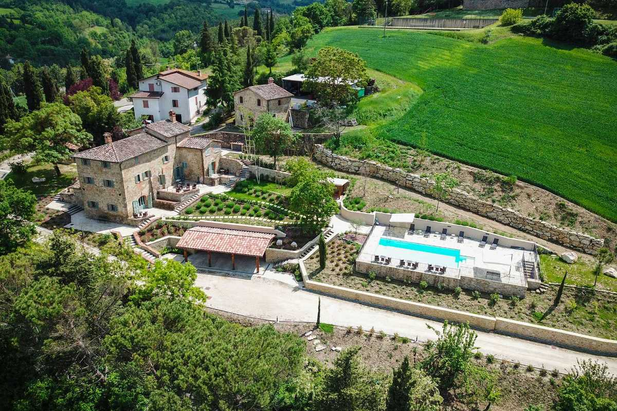 LUXURY FARMHOUSE FOR SALE IN MONTE SANTA MARIA TIBERINA