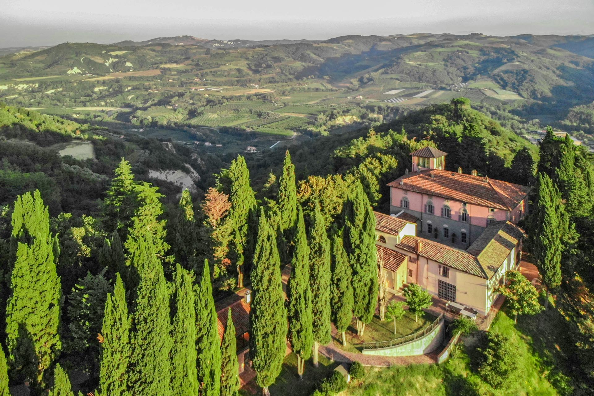 LUXURY VILLA WITH B&B FOR SALE IN EMILIA-ROMAGNA
