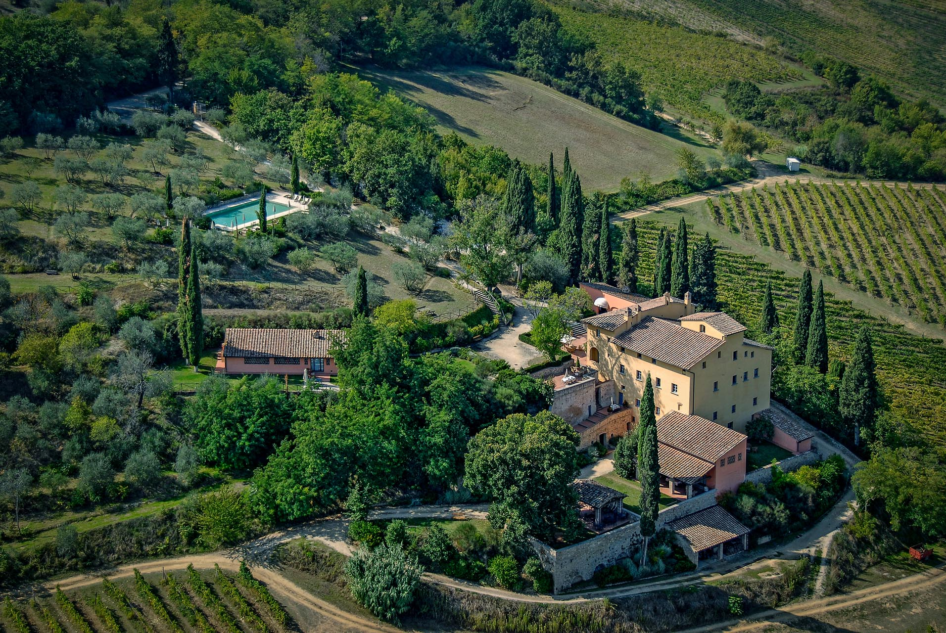 HISTORIC VILLA FOR SALE IN SAN GIMIGNANO, TUSCANY