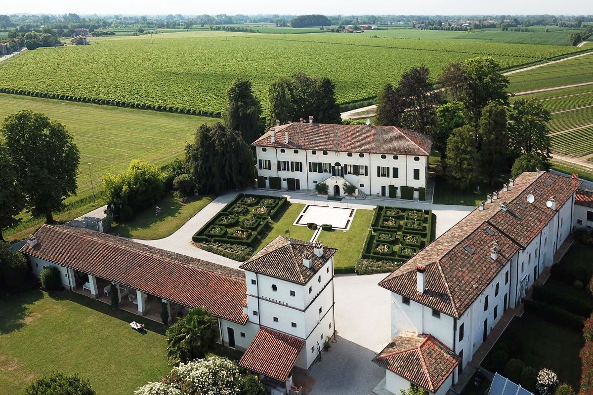 LUXURY VILLA WITH PROSECCO VINEYARDS FOR SALE, FRIULI-VENEZIA GIULIA