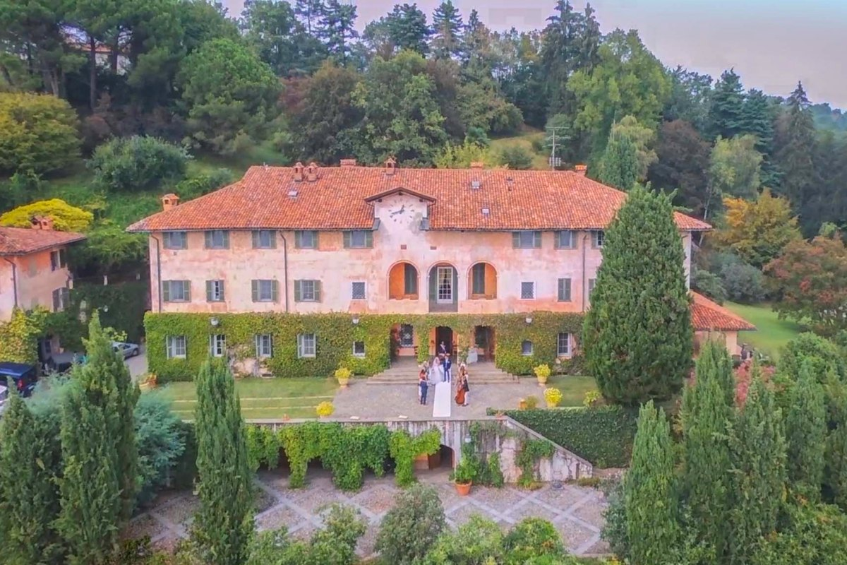HISTORIC VILLA FOR SALE IN PIEDMONT