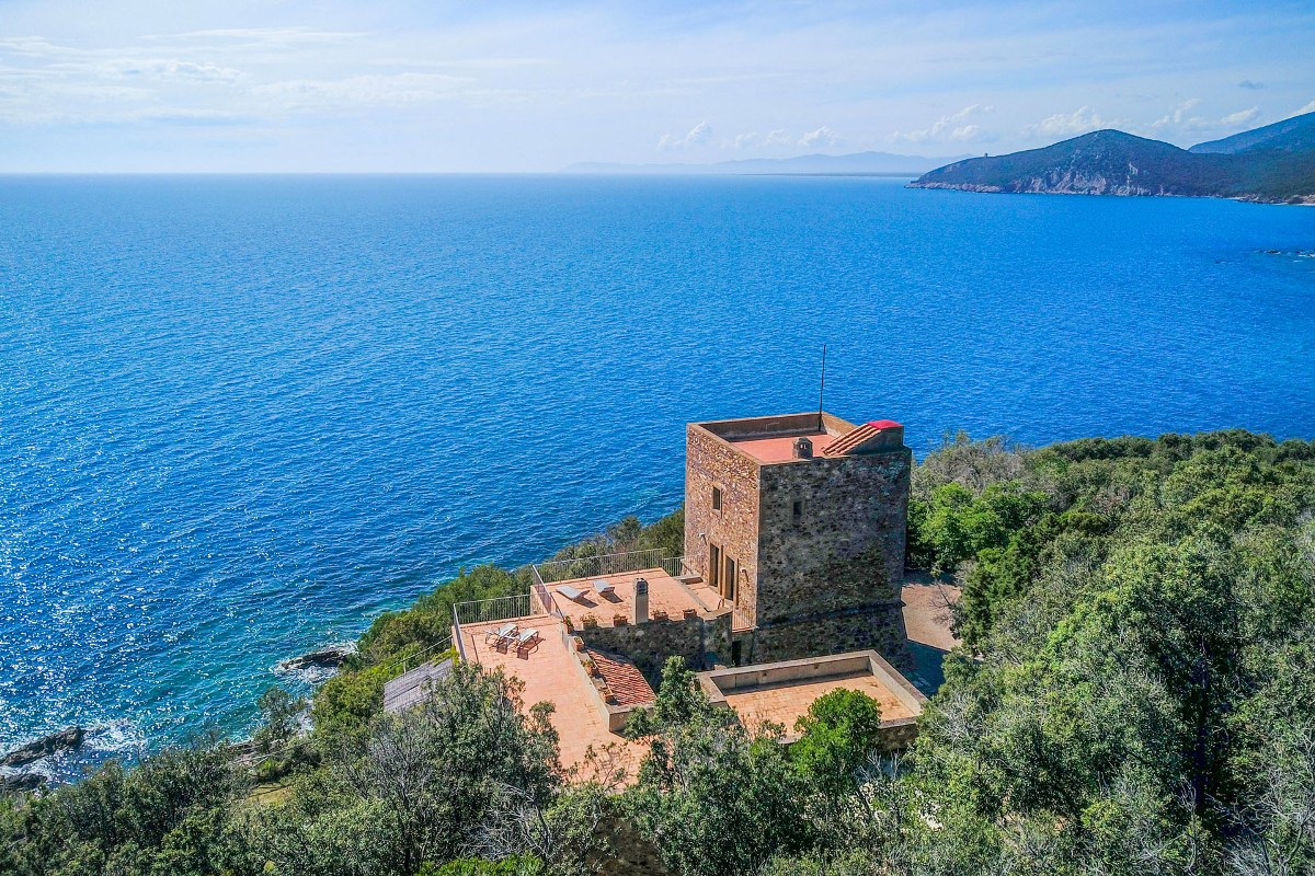LUXURY WATERFRONT VILLA FOR SALE ARGENTARIO, TUSCANY