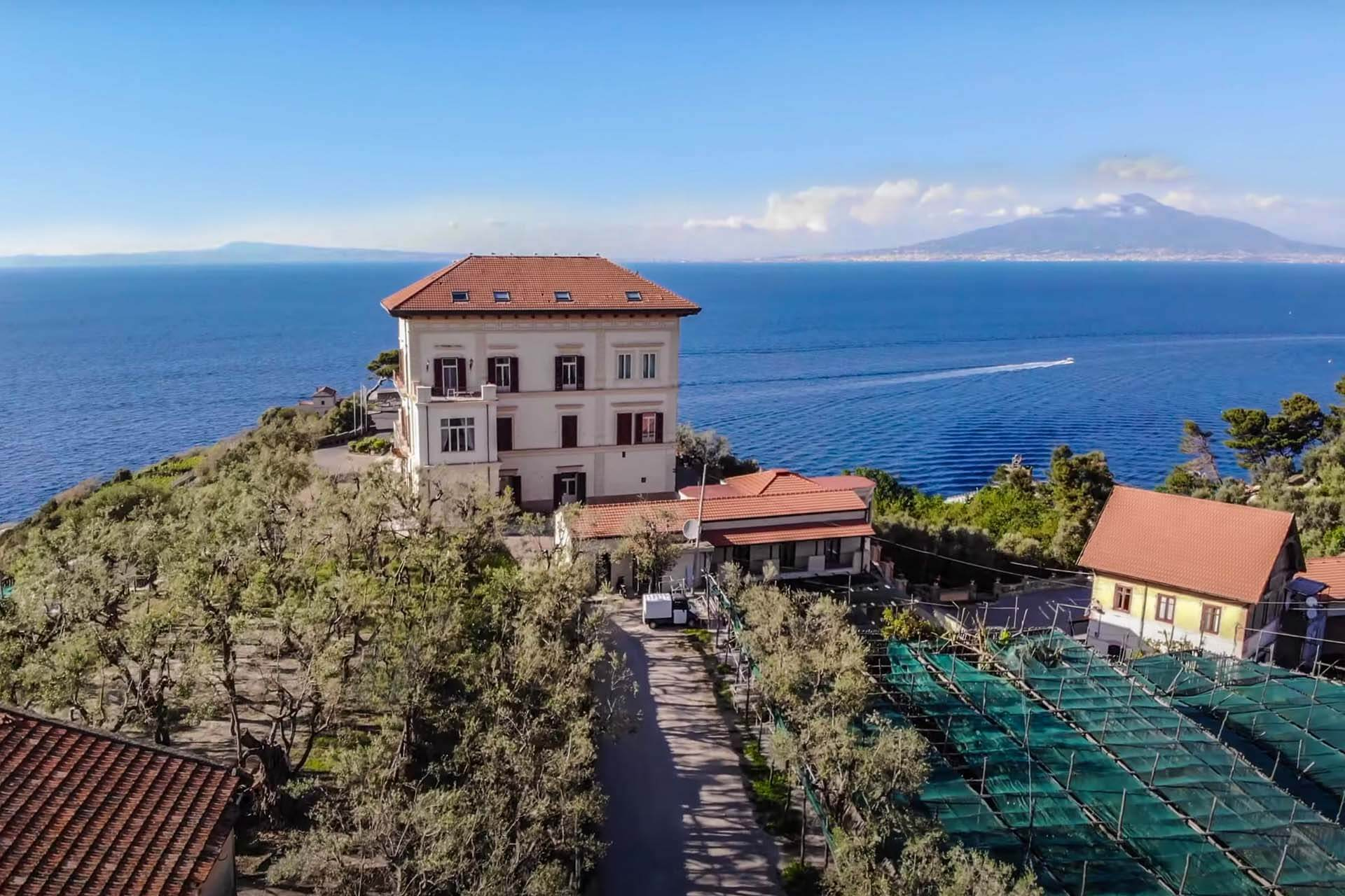 LUXURY VILLA FOR SALE, SORRENTO